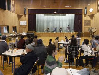 第13回新山郷村テント市。津軽三味線「竹友会」の出演等で盛り上がりました。