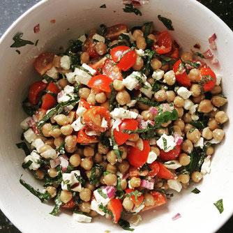 Salade, kikkererwerten, gezond, voedzaam,