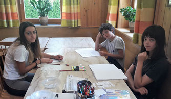 Children studying at Auersperg-International Summer Camp in Tyrol Austria