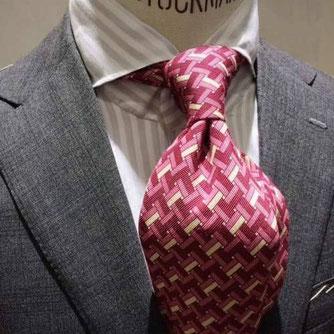 グレイに合わせるネクタイ例