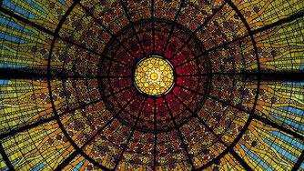 """Купол-капля"" дворца Каталонской Музыки в Барселоне"