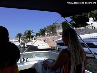 Экскурсия из Барселоны в музей Дали и каталонскую Венецию
