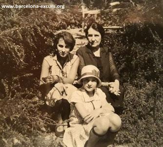 Гала с дочерью Сесиль и свекровью