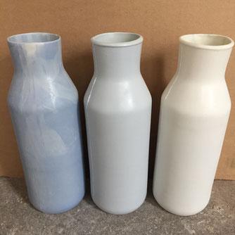 3 carafes en porcelaine. Brigitte Morel