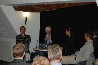 Heinz Pyka (Landessportfischerverband Niedersachsen) berichtet über seine Erfahrungen. - Foto: Kathy Büscher