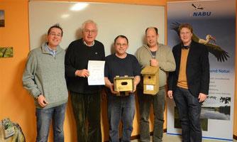 Nick Büscher (l.) und Dr. Holger Buschmann (r.) haben Dr. Eckhard Marx, Alexander Bronner und Thomas Brandt geehrt (v.l.). - Foto: Kathy Büscher