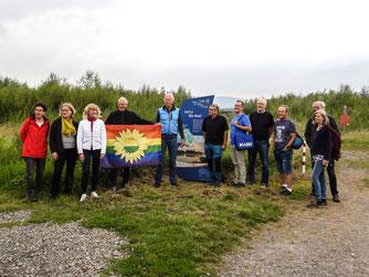 Die Grünen um Jürgen Trittin sind zu Gast in der Auenlandschaft Hohenrode. - Foto: Kathy Büscher