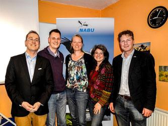(V.l.n.r.:) Dr. Nick Büscher mit den geehrten Dennis Dieckmann, Christine Land und Britta Raabe mit dem Landesvorsitzendem Dr. Holger Buschmann. - Foto: Kathy Büscher