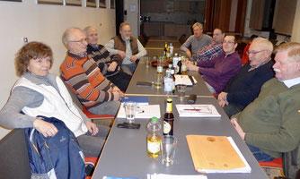 Planungsgruppe aus Imkerverein, Obst- und Gartenbauverein, NABU und Stadt Rinteln. - Foto: Klaus Koschnick