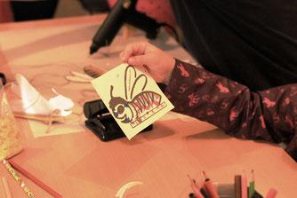 Beim Ausmalen der Schleudern war der Kreativität keine Grenzen gesetzt. Foto / NABU Sarah Bölke