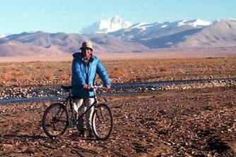 Claus Unterbuchberger vor dem Mt. Everest