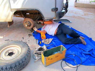 Boldoo - Fahrer und Mechaniker