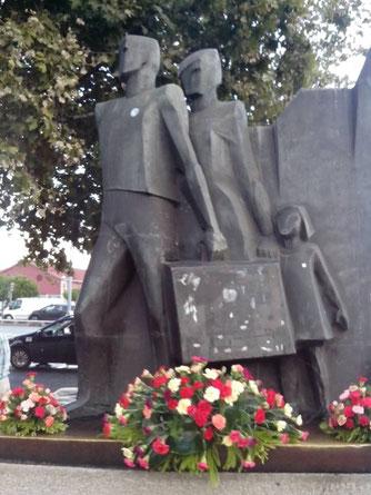 Monumentos aos emigrantes em S. Apolónia, Foto: Svenja Länder