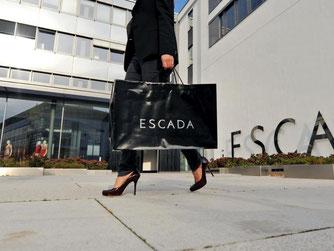 Deutsche Luxusmodemarken wie Escada macht die Digitalisierung zu schaffen. Das Internet dient heute als internationaler Laufsteg und bringt häufiger neue Trends hervor. Foto: Andreas Gebert