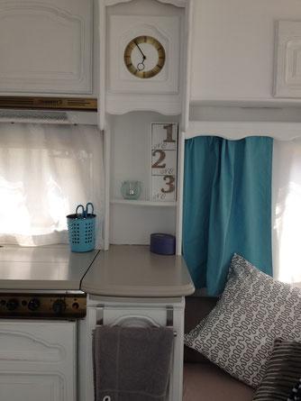 wohnwagen renovieren aus alt mach neu janine fahrni ich bin bilder wohnwagen versch nern. Black Bedroom Furniture Sets. Home Design Ideas