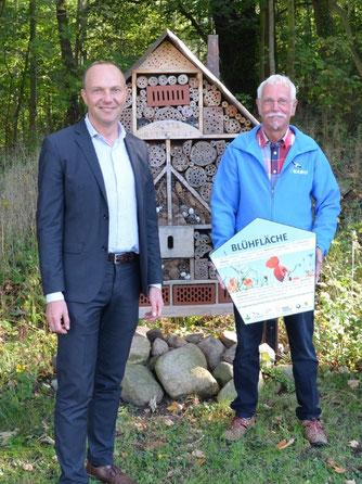 Umweltminister Wolfram Günther (links) und Steffen Wagner vom NABU Plaußig-Portitz. Foto: Reinhard Rädler