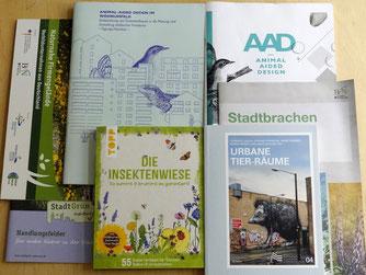 Der NABU Leipzig verfügt über umfassende Literatur, die für Vor-Ort-Beratungen und Ausleihe zur Verfügung steht.