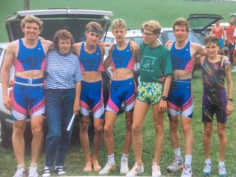 Gruppenfoto 1992: vlnr M. Schädler, x, A.Riesen, R. Hug, x, Ph. Schädler, T. Knöpfel