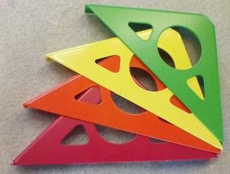 équerre pour étagère murale coloris  rouge, orange, jaune et vert
