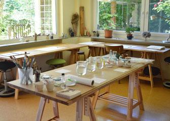 Kunsttherapie-Workshopraum im Atelier von Helen Wissen