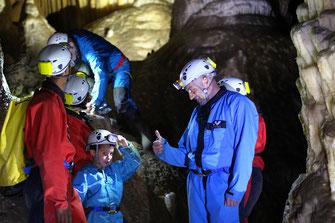 Spéléo dans les Grottes de l'Aguzou - Pyrénées Audoises