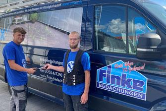 Gleich drei neue Auszubildende starten ihre Ausbildung bei Finke Bedachungen in Weyhe.