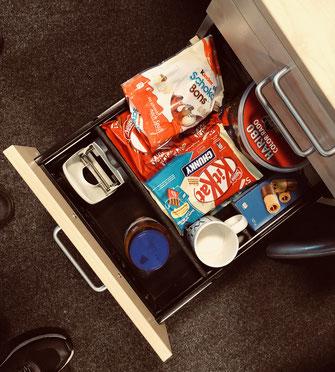 Schublade voll mit Schokolade