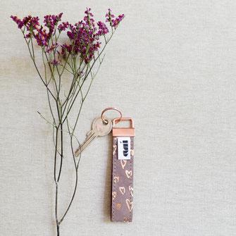 Schlüsselanhänger-Leder-Kupfer-anitextildesign-anika-liedtke-berlin