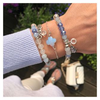 Handgemachte Armbänder von EVAMARIAjewelry, in blau und versilbert, modern und trendig, Instagram