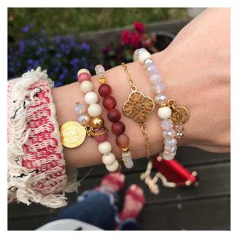 Rote vergoldete Armbänder, vergoldete Anhänger, Ornament, Glas Perlen, Edelsteinperlen, modern, trend, shop the look, instagram,schmuck, evamariajewelry