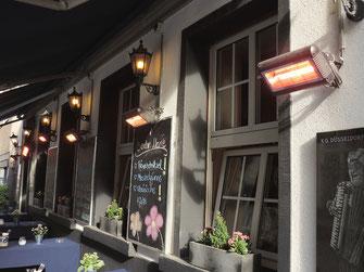 Sommerterrasse an einem Cafe