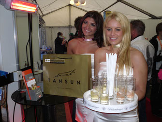 Tansun Infrarot-Heizstrahler an Promotion-Stand
