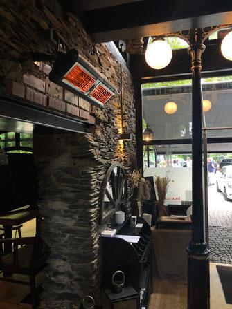 Wärmeschleuse an Restaurant-Eingang