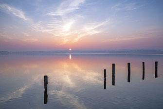 Leinwandbild 60 x 30 cm - Sonnenaufgang am Ratzeburger See