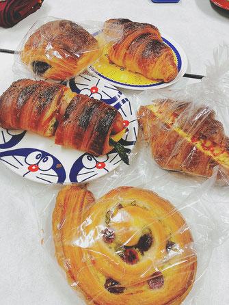 こちらのパンは二条駅近くのKYOTO KEIZO BAKERYさんの♪