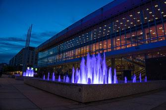 Dresden, Kulturpalast bei Nacht, Blaue Stunde