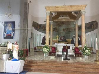 Kuwait, Katholische Kirche, Reisebericht, Reiseblog, Sehenswürdigkeiten, Attraktion, Altar