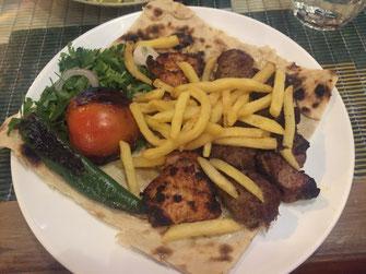 Kuwait, Fryi Swylh, Restaurant, arabische Küche, Reisebericht, Reiseblog, Sehenswürdigkeiten, Attraktion, Speisekarte, arabische Küche, Grill, Hauptgericht, Fleisch