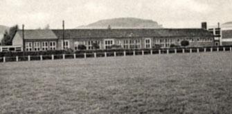 Blick auf die neue Schule von der Würgasser Strasse aus