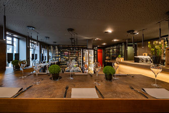 Stilvolles Ambiente, angenehme Beleuchtung und excellence in wine & food - adoro gusto Kirchheim-Teck