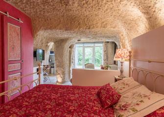 where-to-sleep-hotel-B&B-gites-guided-wine-tours-tastings-Loire-Valley-vineyard-Vouvray-Touraine-Tours-Amboise-Rendez-Vous-dans-les-Vignes-Myriam-Fouasse-Robert
