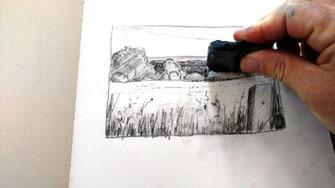 Landschaft, Bleistift, Hell-Dunkel-Werte mit Knetgummi einpassen