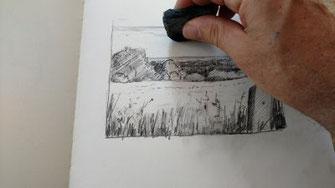 Landschaft, Bleistift,  Himmel mit Knetgummi aufhellen