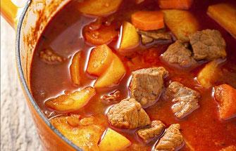 スープ:パプリカ・グヤーシュ煮込み