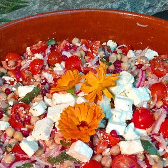 Bild Salat mit Essblumen