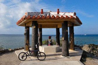 石垣島の海岸線の長さは139.22km、健脚の自転車乗りなら一日で回れてしまう大きさです。でも石垣島は絶景の宝庫。一日で回ってしまうのは、あまりにももったいないので、西部と東部、二日間かけて巡るコースをご案内することにいたします。