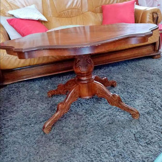 Table basse en merisier avant
