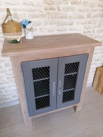 relooking restauration de meubles ancien buffet bois naturel gris pochoir chêne grillage poule le mans sarthe