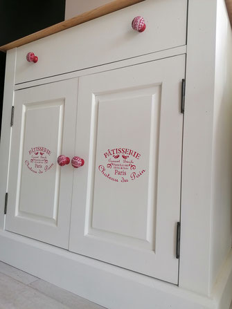 relooking de meuble le mans sarthe buffet pin blanc rouge bistrot patisserie bois
