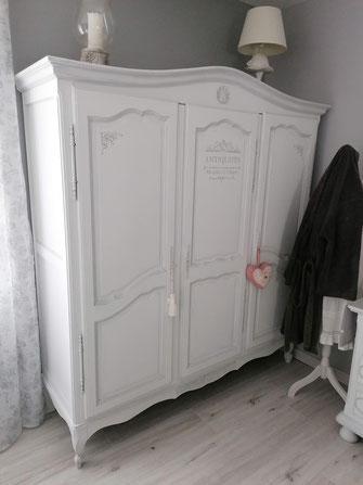 relooking restauration de meubles ancien chambre armoire chevet commode miroir patine shabby blanc gris le mans sarthe